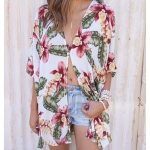 "Show Me Your Mumu ""Bali Aloha Blooms Cloud"" Kimono"
